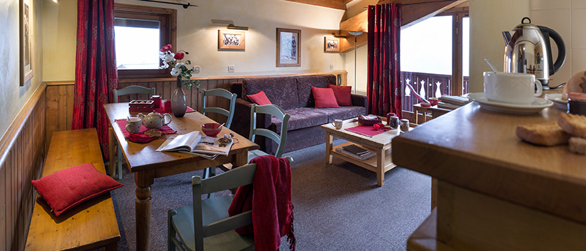 france_espace-killy-ski-area_tignes_village-montana-apartments_lounge.jpg